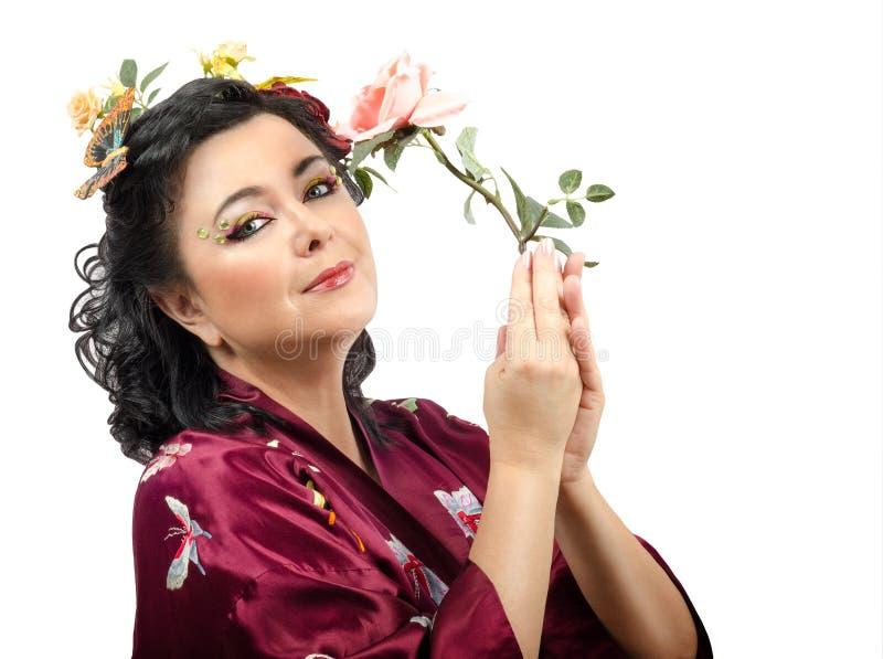 Download Женщина кимоно с розой пинка Стоковое Фото - изображение насчитывающей конец, женщина: 41658866