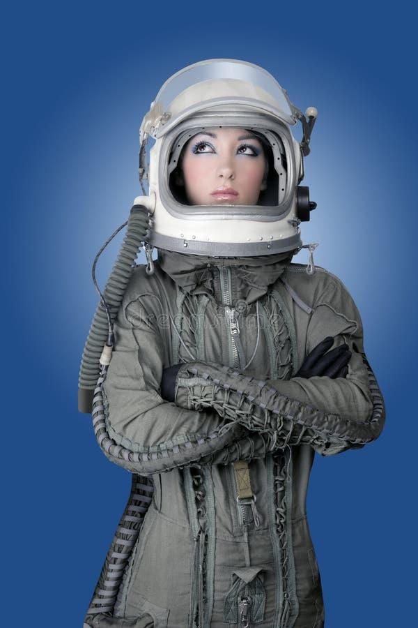 женщина космического корабля шлема способа астронавта воздушных судн стоковое фото rf