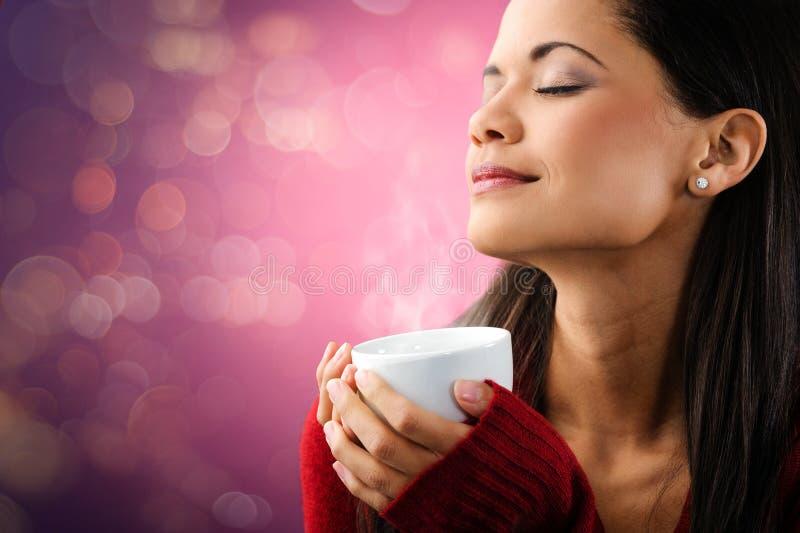 Женщина кофе Bokeh стоковое изображение