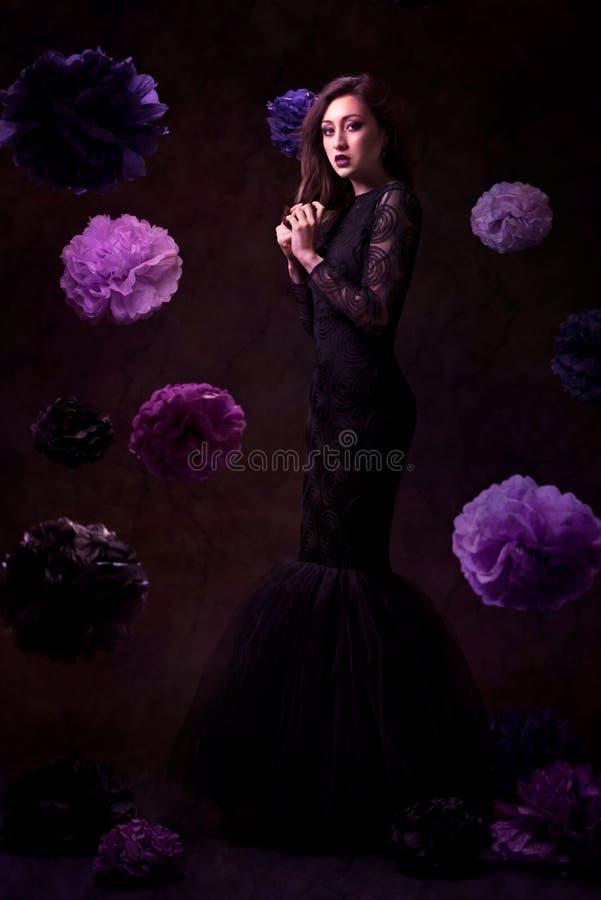 женщина красивейшего платья модная стоковая фотография