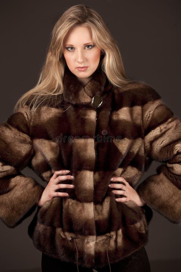 женщина куртки шерсти стоковая фотография rf