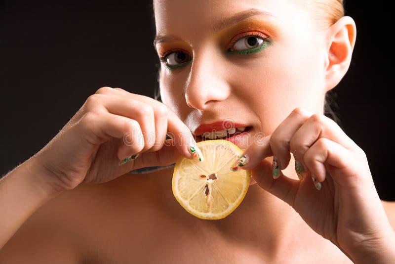женщина лимона стоковое фото