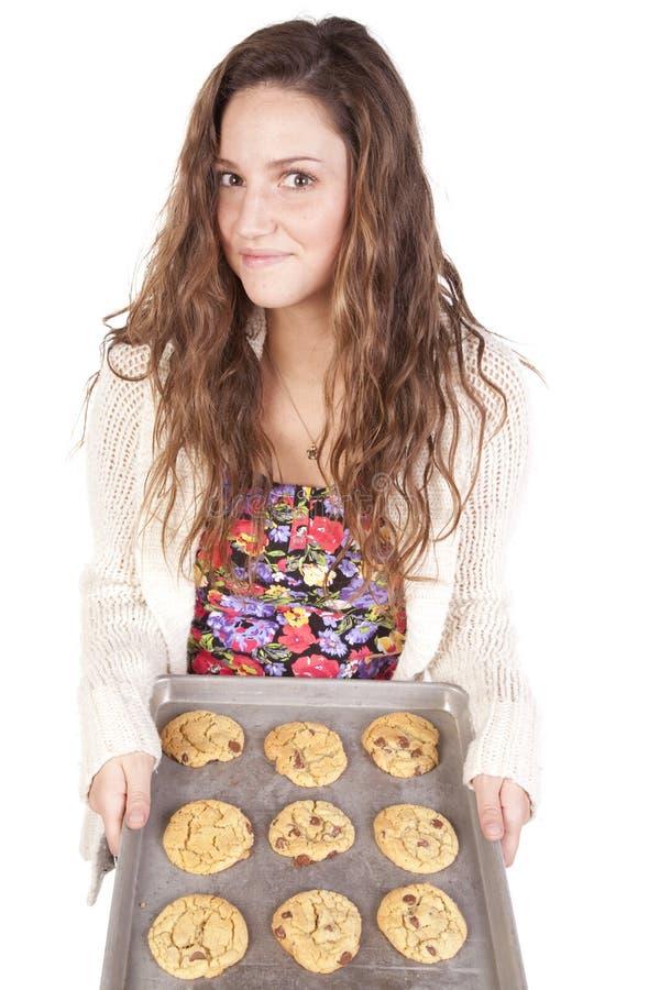 женщина лотка печений стоковое изображение