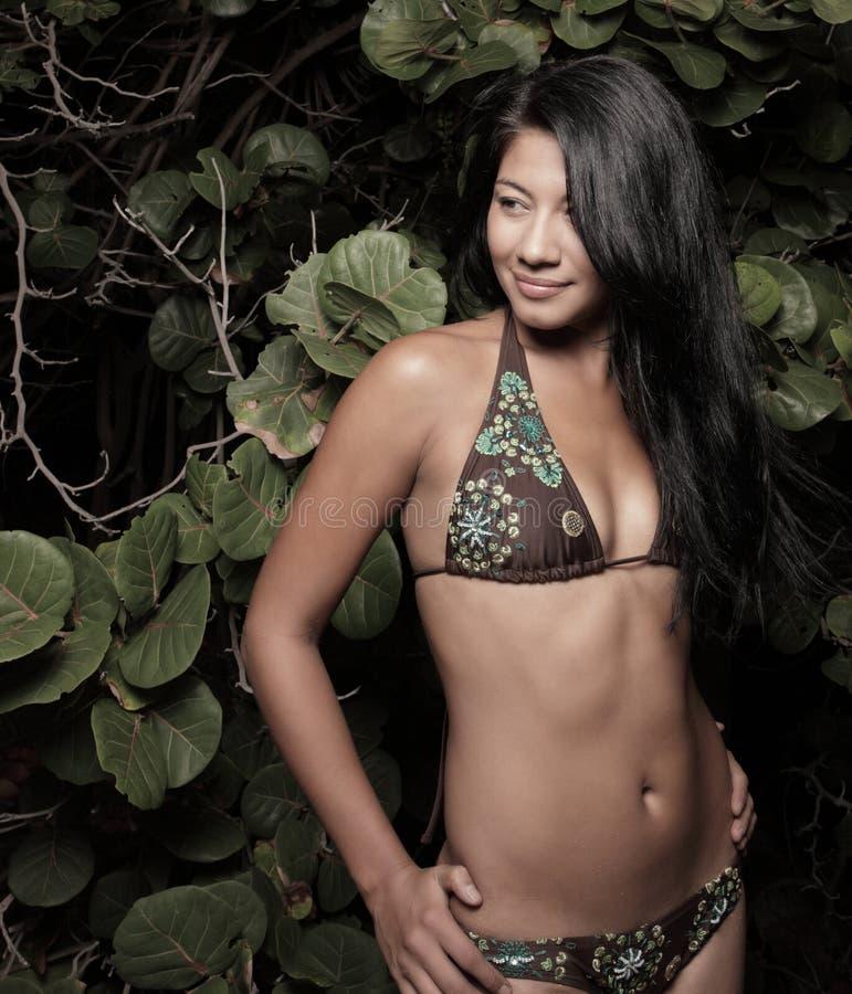 женщина мангров пляжа стоковое фото rf