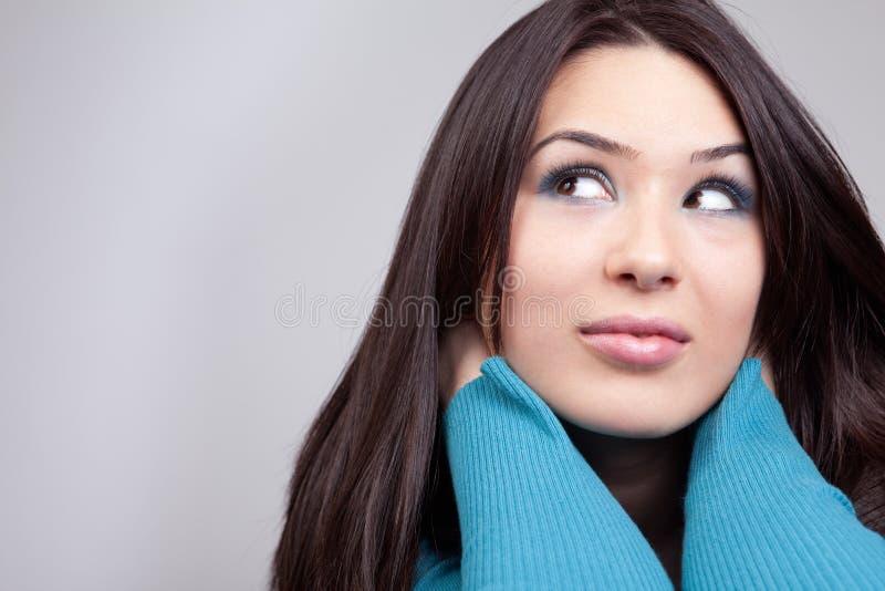 женщина милого daydream принципиальной схемы задумчивая стоковое изображение