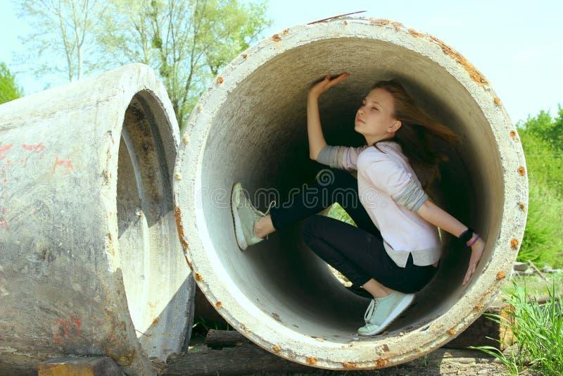 Женщина на строительной площадке Подростковый, концепция людей стоковое фото