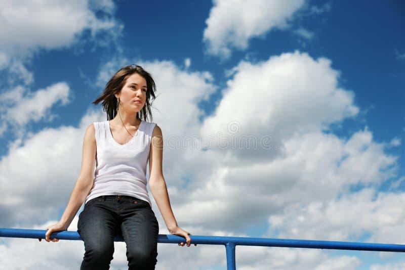 женщина неба стоковая фотография rf