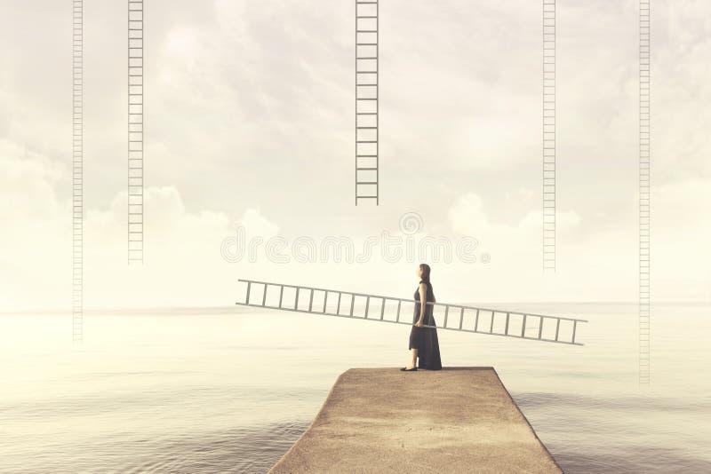 Женщина носит ее личную лестницу для того чтобы взобраться в небо стоковая фотография rf
