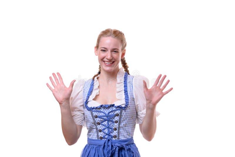 Женщина нося традиционное платье для Oktoberfest стоковые изображения rf