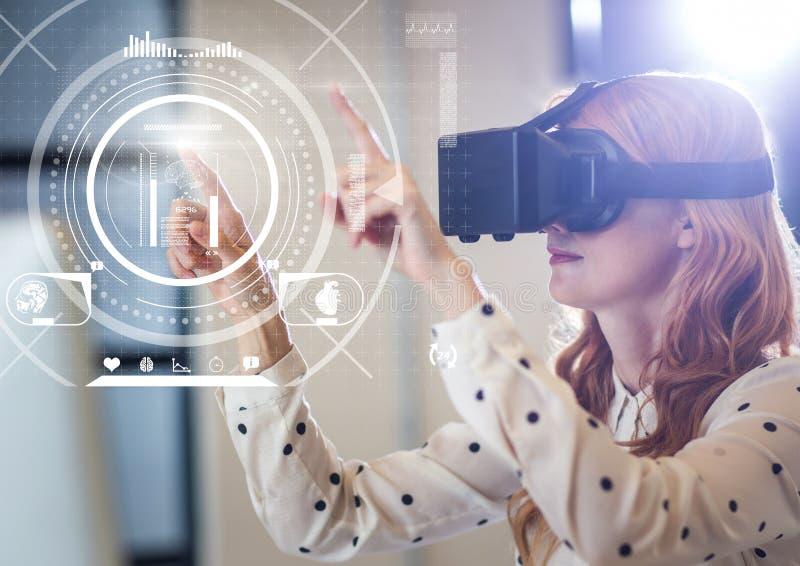 Женщина нося шлемофон виртуальной реальности VR с интерфейсом фитнеса здоровья иллюстрация вектора