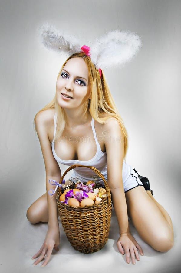 Сексуально ногой по яйцам