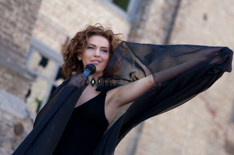 женщина певицы стоковые фотографии rf