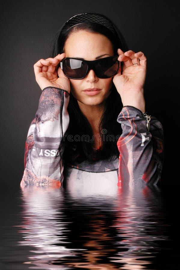 женщина платья в стиле фанк стоковая фотография
