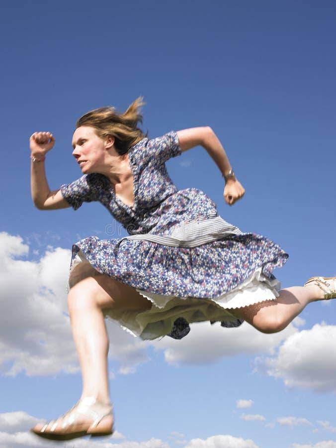 Открытки, бегущая девушка смешные картинки