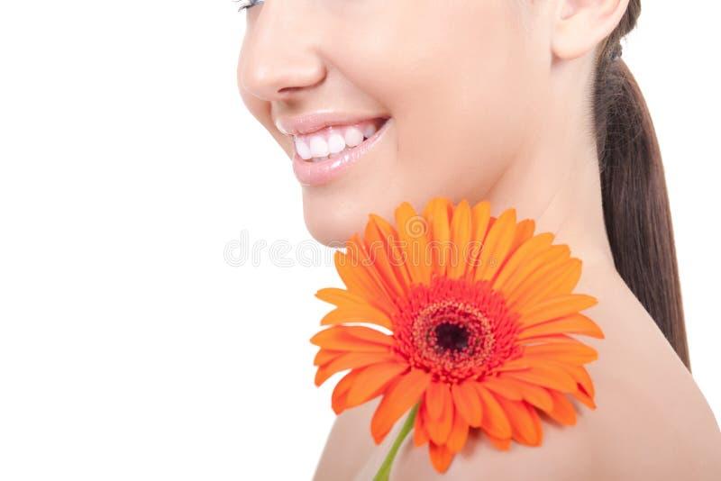 Download женщина плеча цветка стоковое изображение. изображение насчитывающей девушка - 18389041