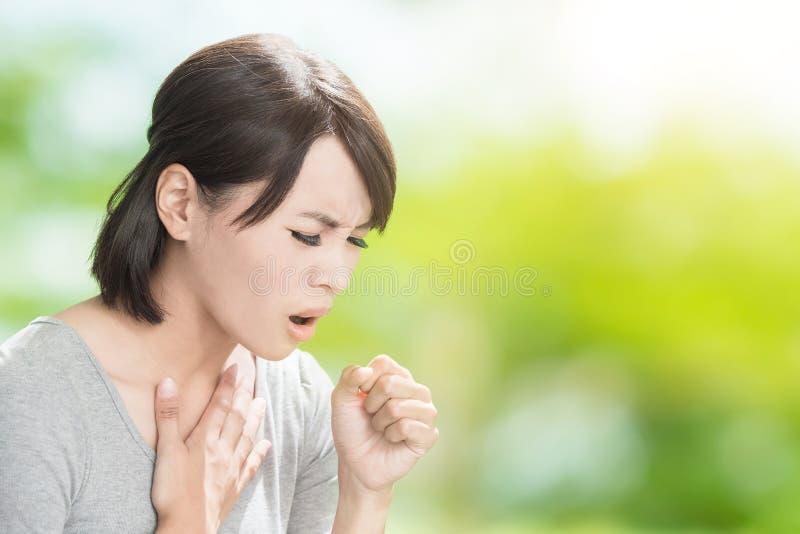 Женщина получает больной стоковое изображение rf