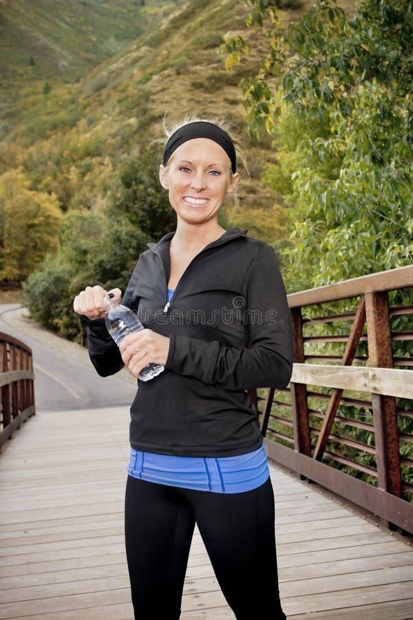 женщина пригодности счастливая здоровая стоковое изображение rf