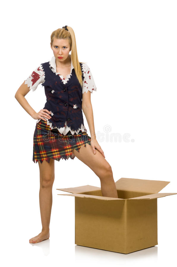 Женщина при картонная коробка изолированная на белизне стоковая фотография rf