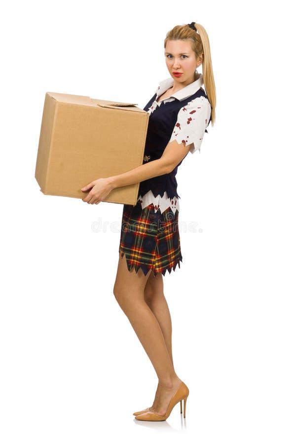 Женщина при картонная коробка изолированная на белизне стоковые фото