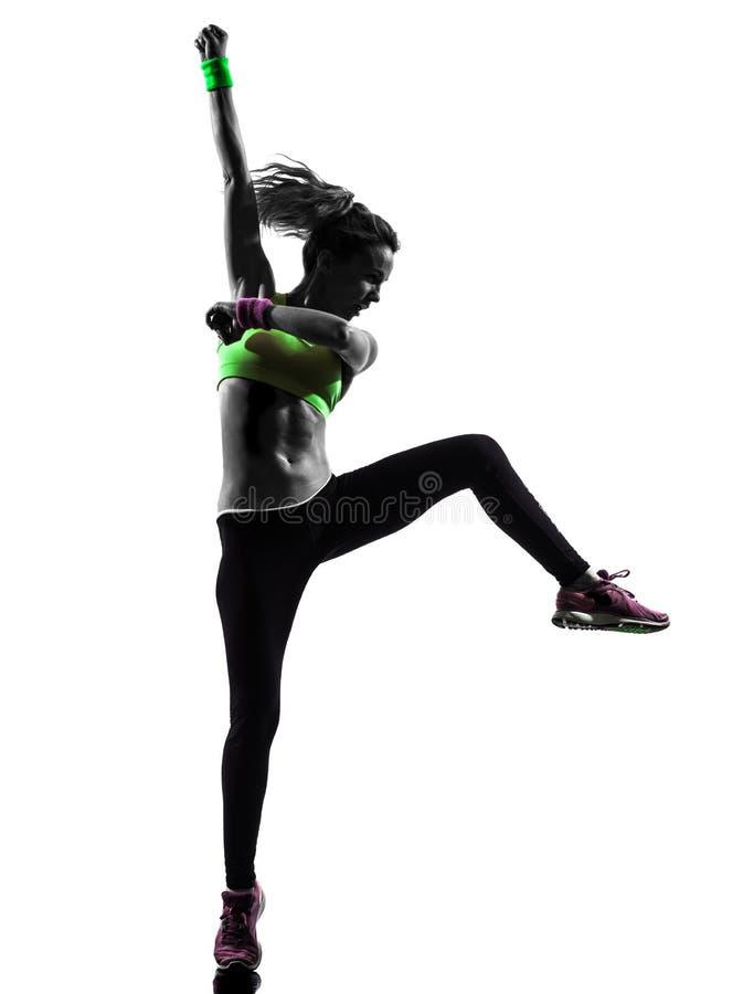 Женщина работая силуэт танцев zumba фитнеса стоковое изображение