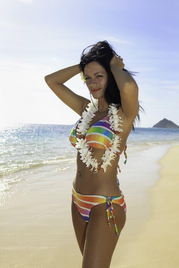 женщина радуги бикини стоковое изображение rf
