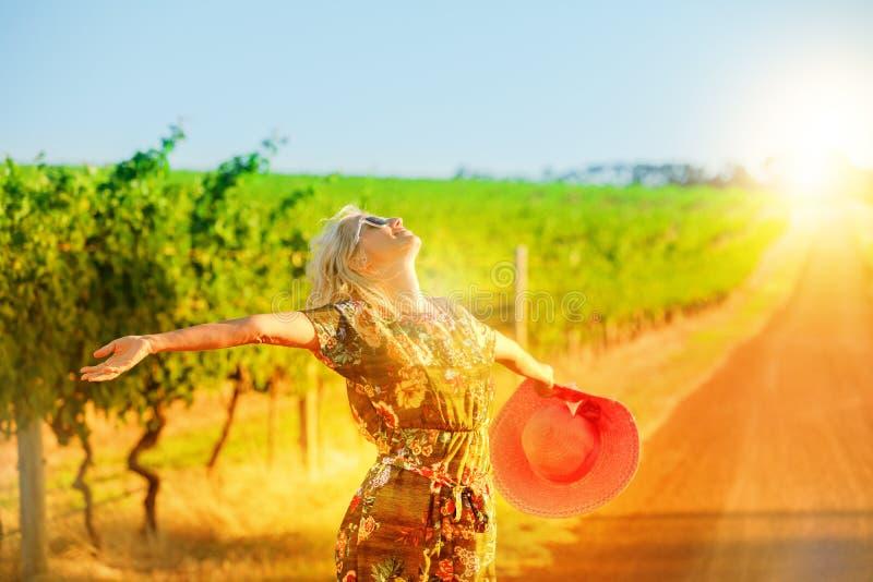 Женщина реки Маргарета наслаждается стоковое изображение