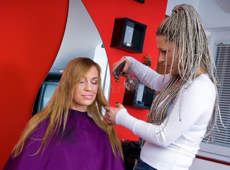 женщина салона волос стоковое фото rf