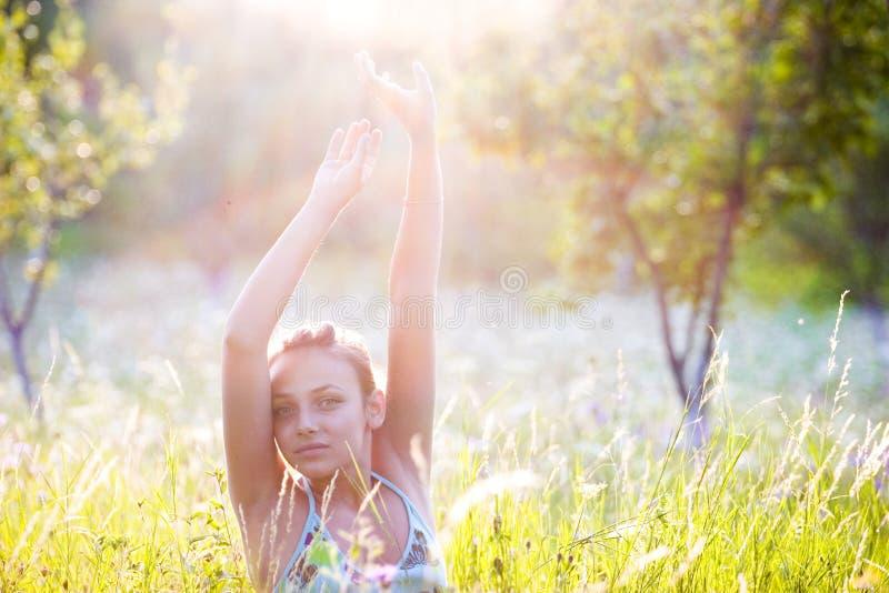 женщина солнечного света стоковые изображения rf