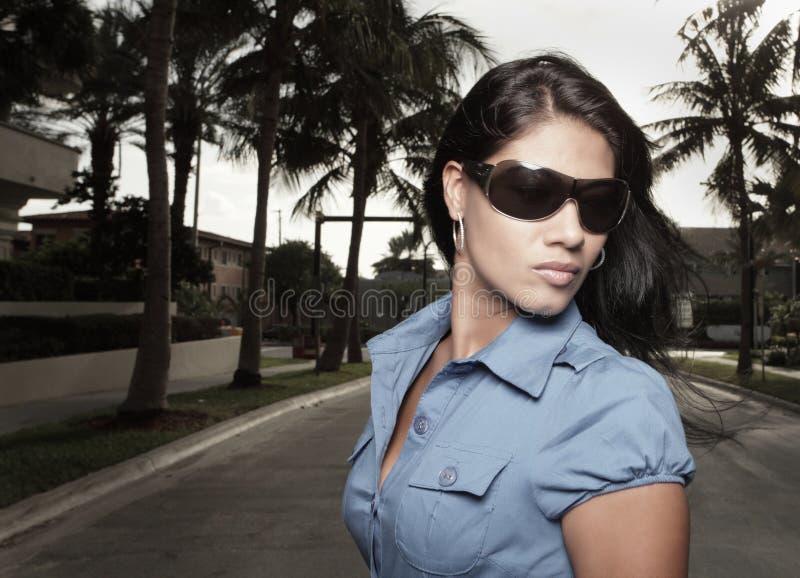 женщина солнечных очков изображения стоковое фото rf