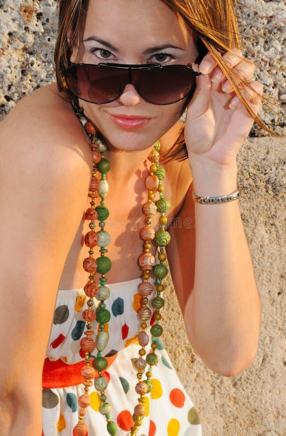 женщина солнечных очков способа стоковая фотография rf