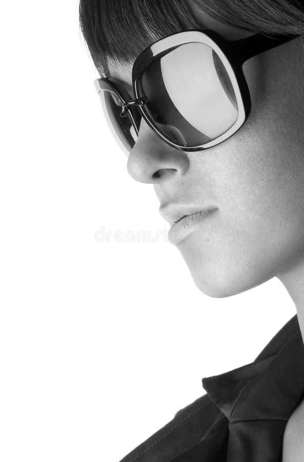 женщина солнца стекел стоковые фото