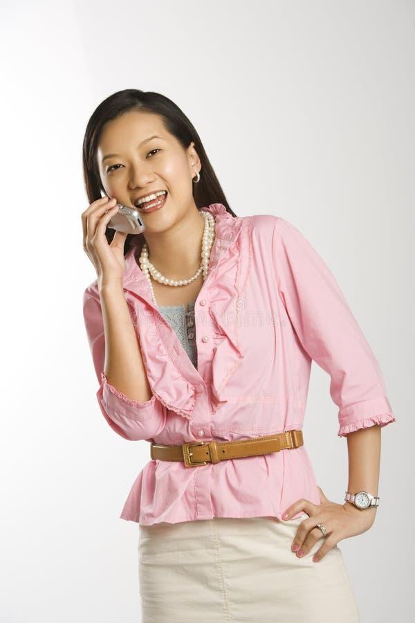 женщина сотового телефона стоковые изображения rf