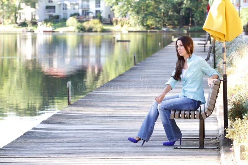 женщина способа падения стоковая фотография rf