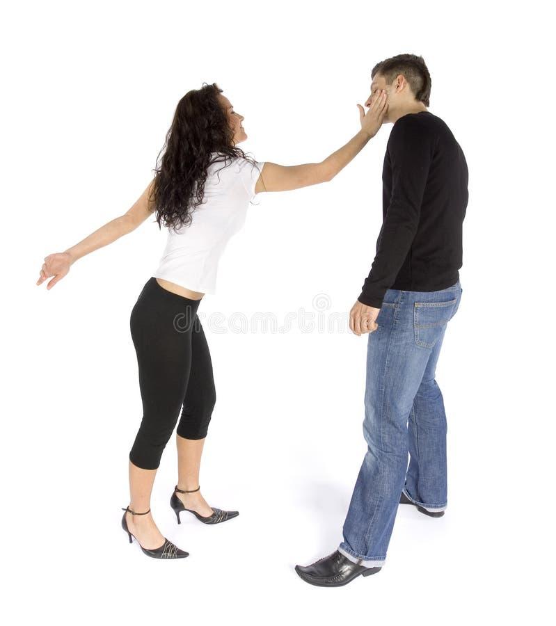 женщина ссоры s ударяя человека пар стоковые изображения