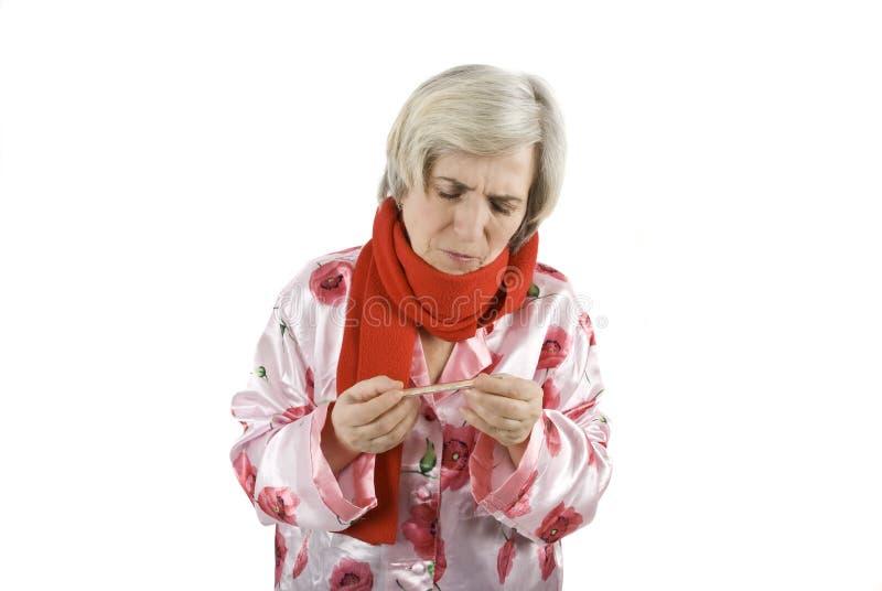 женщина старшия гриппа стоковые изображения rf