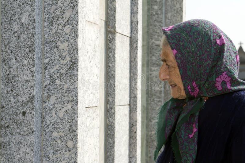 женщина старшия профиля стоковая фотография