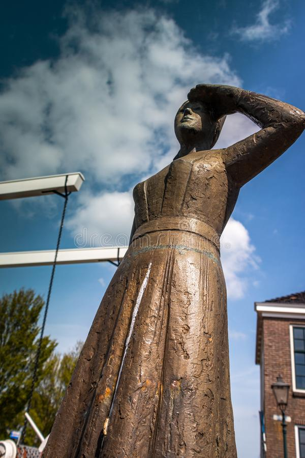 Женщина статуи Stavoren, фольклорного сказа в Нидерланд стоковое изображение