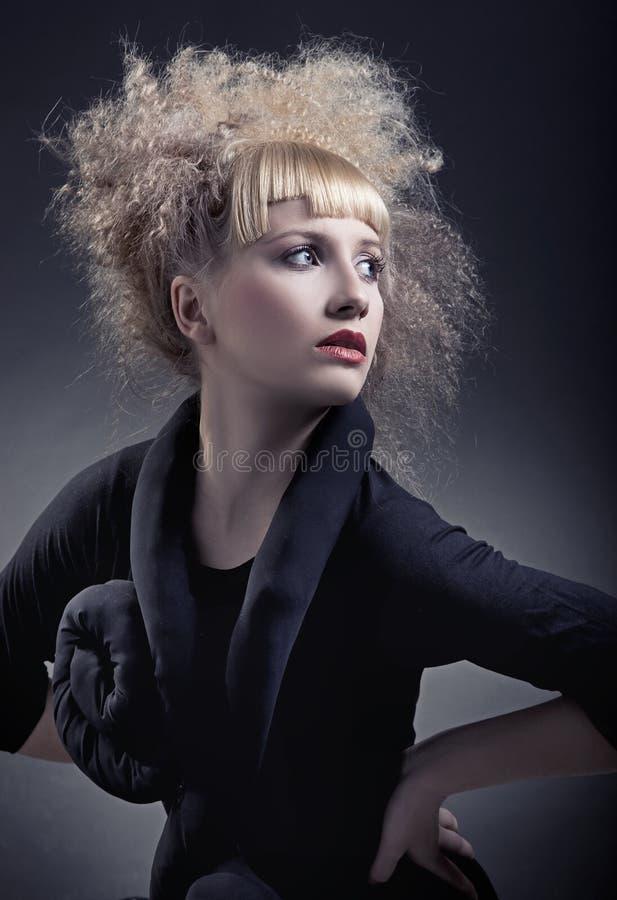 женщина стиля причёсок самомоднейшая стоковые фотографии rf