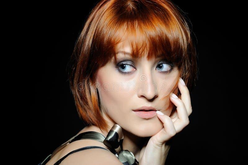 женщина стиля причёсок способа bob довольно короткая стоковые изображения