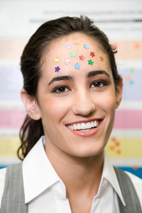 Женщина с звездами на ее голове стоковые фотографии rf