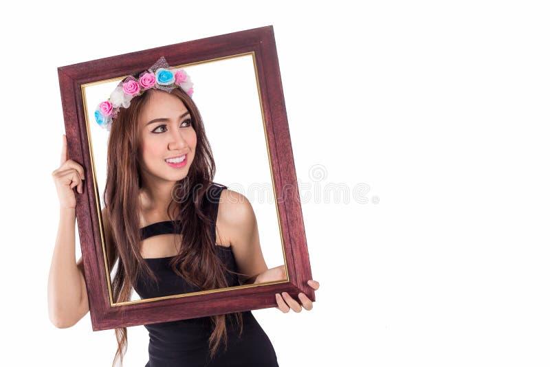Download Женщина с картинной рамкой на белизне Стоковое Изображение - изображение насчитывающей женщина, бобра: 41655483