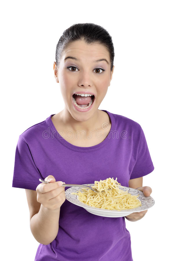 Женщина с плитой спагетти стоковое изображение