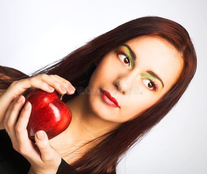 Download Женщина с Apple стоковое изображение. изображение насчитывающей green - 40582129
