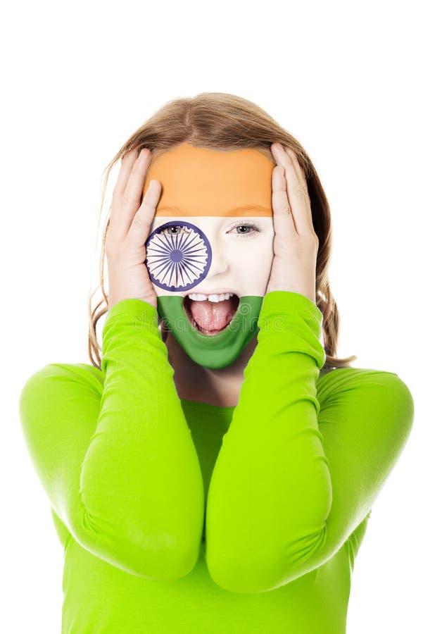 Женщина с Indie флагом на стороне стоковое изображение rf