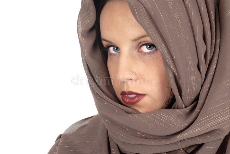 Женщина с silk крупным планом вуали, мусульманин вводит концепцию в моду стоковая фотография rf