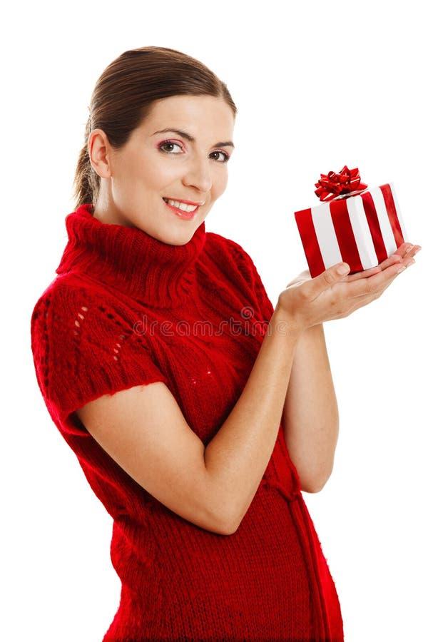 женщина удерживания подарка стоковая фотография rf