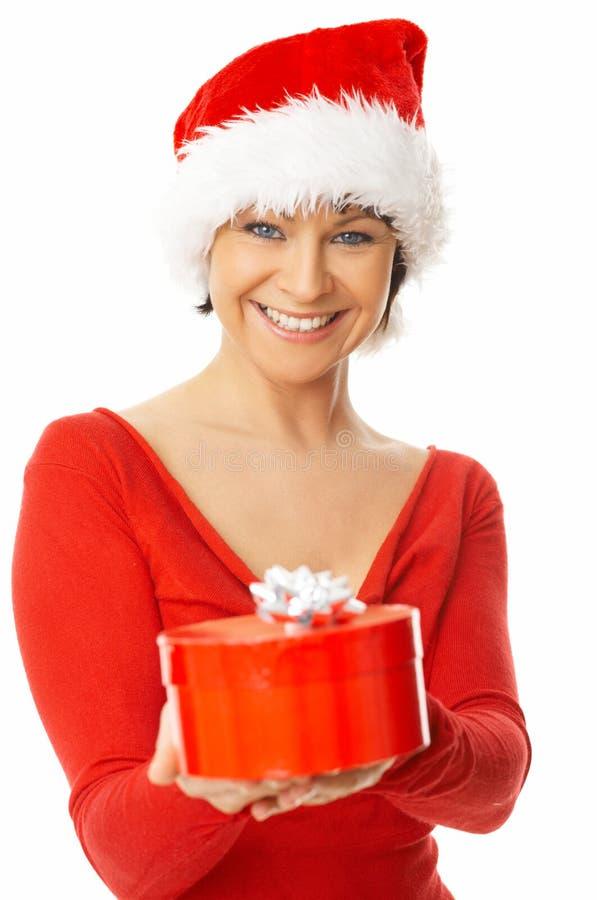 женщина удерживания подарка стоковые изображения