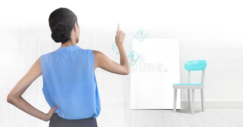 Женщина указывая с пустым холстом стоковые фотографии rf