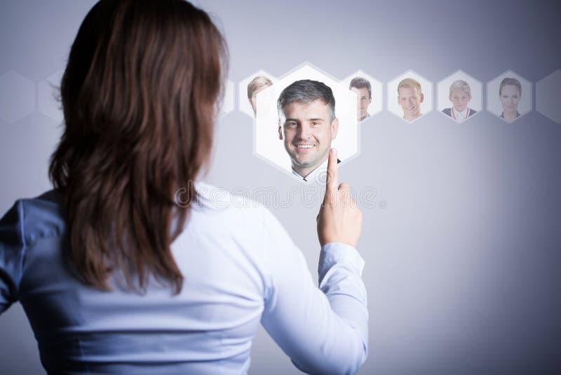Женщина думая о ее человеке стоковые изображения
