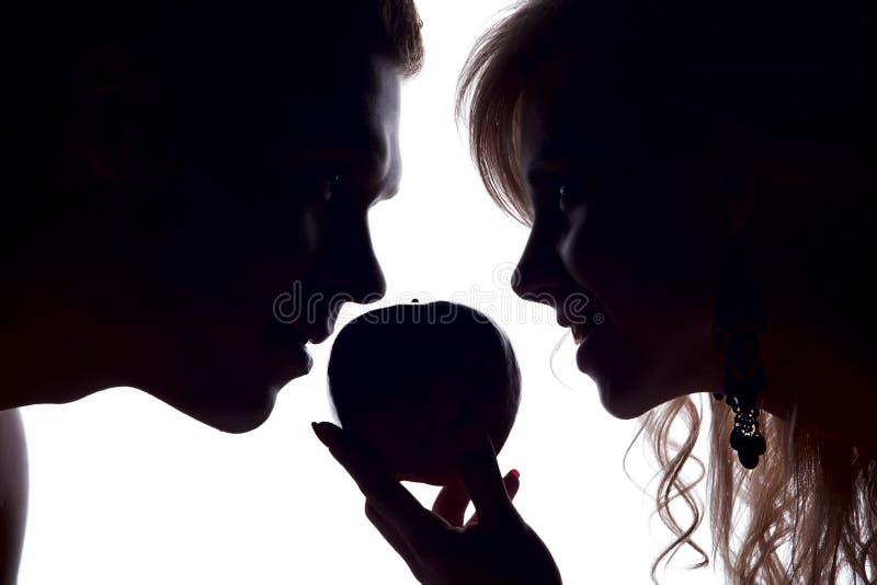 женщина человека яблока стоковые фотографии rf